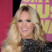 CMT Music Awards : Carrie Underwood triomphe, applaudie par Denise Richards...