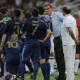 Laurent Blanc distille ses consignes lors du match de l'Euro entre la France et l'Angleterre (1-1) qui s'est déroulé le 11 juin 2012 à Donetsk en Ukraine