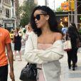 Rihanna, surprise dans un look très osé arpentant les rues de SoHo. New York, le 11 juin 2012.