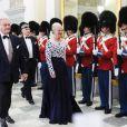 La reine Margrethe II de Danemark et le prince Henrik arrivent pour un dîner au palais royal Amalienborg, à Copenhague, le 14 juin 2012 en l'honneur de la visite officielle au Danemark du président de la République populaire de Chine Hu Jintao et son épouse Liu Yongqing.