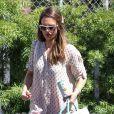 Jessica Alba, dans les rues de Santa Monica, se rend dans les bureaux de sa compagnie le 27 juin 2012