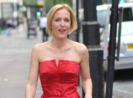 Gillian Anderson : Sublime silhouette rouge d'un prestigieux bal lesbien