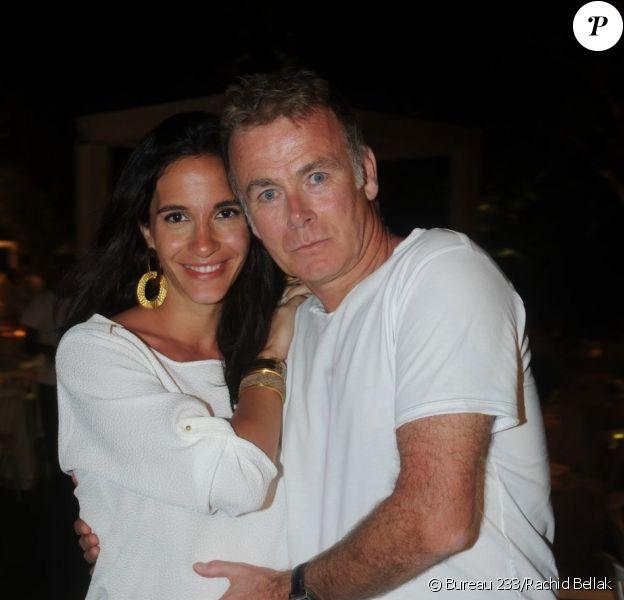 Franck Dubosc et son épouse Danièle à la Soirée blanche organisée par le chef Christophe Leroy, aux Moulins de Ramatuelle, le dimanche 8 juillet 2012.