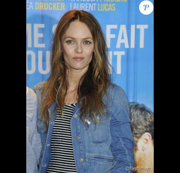Vanessa Paradis, rayonnante lors de l'avant-première du film Je me suis fait tout petit à Paris le 10 juillet 2012