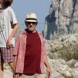 Steven Spielberg et son épouse Kate embarquent à bord d'un yacht, le jeudi 19 juillet 2012.