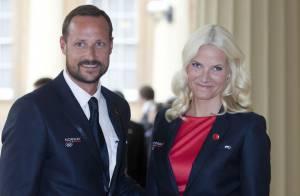 Haakon et Mette-Marit de Norvège aux JO : Moments de tendresse au bord du bassin