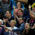 Le prince William et le prince Harry ont applaudi la médaille de bronze de l'équipe masculine britannique dans le concours général de gymnastique, le 30 juillet 2012.