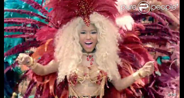 Clip de  Pound the Alarm , de Nicki Minaj