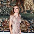 La princesse Letizia des Asturies a osé comme rarement robe courte et dentelle... Le roi Juan Carlos Ier d'Espagne, entouré de sa femme la reine Sofia, de son fils le prince Felipe et de sa belle-fille la princesse Letizia, offrait le 8 août 2012 au palais de la Almudaina le traditionnel dîner pour les autorités des îles Baléares dans le cadre des vacances d'été de la famille royale à Palma de Majorque.