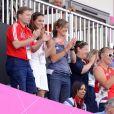 Kate Middleton, plus que jamais fan de hockey, son sport de prédilection, a eu l'occasion de bondir de joie une foie de plus aux JO de Londres, vendredi 10 août 2012, grâce à la médaille de bronze décrochée par les hockeyeuses britanniques face à la Nouvelle-Zélande.