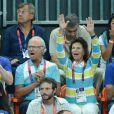 Ils ont tout donné ! Le roi Carl XVI Gustaf de Suède et la reine Silvia lors de la finale de handball masculin France-Suède aux Jeux olympiques de Londres le 12 août 2012.