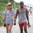 Doutzen Kroes et Sunnery James rentrent d'une journée à la plage à Miami. Le 16 août 2012