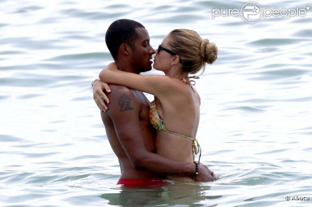 Doutzen Kroes et son époux Sunnery James passent de doux moments dans les eaux chaudes de Miami. Le 16 août 2012