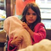 Katie Holmes : Sa fille Suri joue les mamans protectrices avec sa poupée
