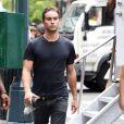 Chace Crawford arrive sur le shooting de Gossip Girl le 21/08/2012