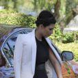 Kim Kardashian stylée près de son neveu Mason avec qui elle se rend à la messe. Agoura Hills, le 26 août 2012.