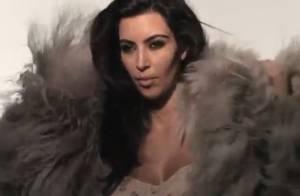 Kim Kardashian sort le grand jeu pour conquérir la planète Mode