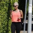 Radieuse, Amber Rose enceinte, à Los Angeles le 2 septembre 2012