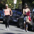 Amber Rose et un voisin, à Los Angeles le 2 septembre 2012