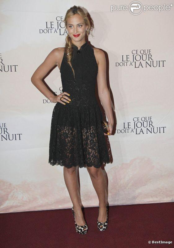 Nora Arnezeder lors de l'avant-première du film Ce que le jour doit à la nuit à Paris le 3 septembre 2012
