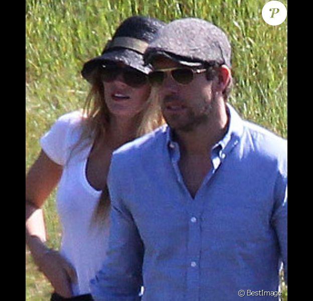 Blake Lively et Ryan Reynolds amoureux, en mars 2012 à los Angeles