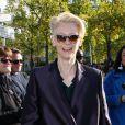 Tilda Swinton arrive à Bercy pour assister au défilé printemps-été 2013 d'Haider Ackermann. Paris, le 29 septembre 2012.