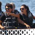 Kim Kardashian et sa mère Kris Jenner, déchaînées pendant leur course de bateau au Haulover Park qui accueillait le South Florida Dragon Boat Festival. Miami, le 29 septembre 2012.