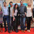 """La comedienne Fabienne Carat avec les acteurs de la nouvelle série télévisée  Riviera , invités du festival """"Les Herault de la Tele"""" au Cap d'Agde, le 28 Septembre 2012."""