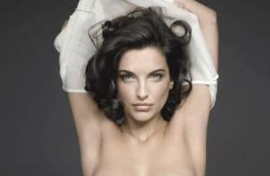 Pauline Delpech seins nus et sûre d'elle pour 'Le cancer du sein, parlons-en'