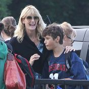 Laura Dern et son fils Ellery : Il tape dans le ballon, elle l'encourage