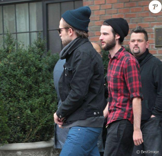 Robert Pattinson quitte son hôtel à New York le 8 octobre 2012