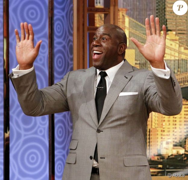 Magic Johnson, invité heureux de l'animatrice Wendy Williams pour une interview vérité lors du Wendy Williams Show le 10 octobre 2012 à New York