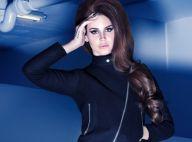 Lana Del Rey sexy et mystérieuse égérie d'H&M dans un parking souterrain