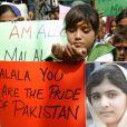 Au Pakistan, de nombreuses manifestations en faveur de Malala, la jeune fille sur laquelle les talibans ont tiré, s'organisent - octobre 2012