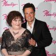 Susan Boyle pose aux côtés de son idole Donny Osmond à Las Vegas, le mercredi 17 octobre 2012.
