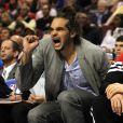 Joakim Noah après sa blessure face au 76ers de Philadelphie à Philadelphie le 6 mai 2012