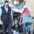Christina Aguilera, son fils Max et son petit ami Matthew Rutler préparent Halloween à Los Angeles, le 14 octobre 2012. Dans