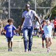 Seal quitte le parc avec ses enfants Johan et Leni, à Los Angeles le 27 octobre 2012.