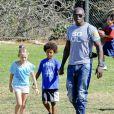 Seal et ses enfants au parc à Los Angeles le 27 octobre 2012.