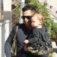 Cash Warren et l'adorable Haven à West Hollywood le 3 novembre 2012