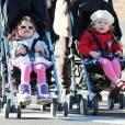 Les petites Marion Loretta et Tabitha Hodge à New York le 9 novembre 2012.
