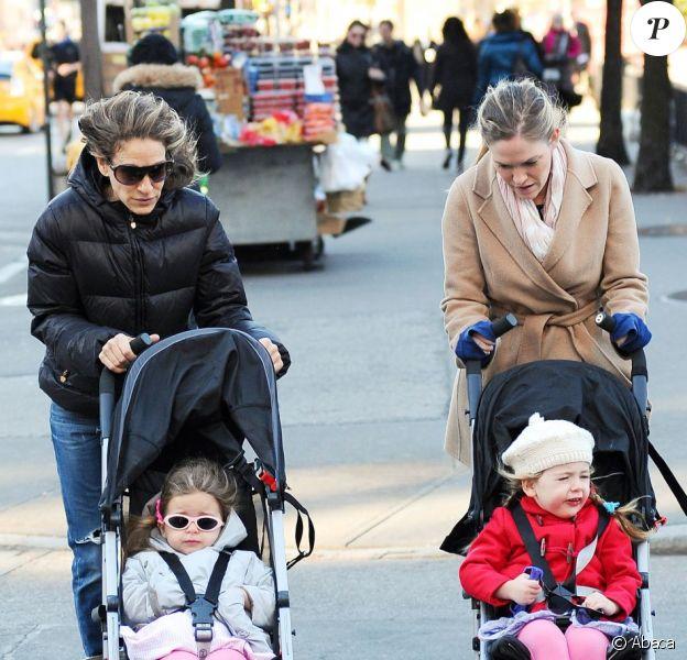 Sarah Jessica Parker affronte le froid avec sa nounou et ses filles Marion Loretta et Tabitha Hodge à New York le 9 novembre 2012.
