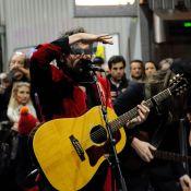 -M- : Concert surprise et dingue de Matthieu Chedid dans le métro à Paris
