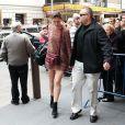 Katie Holmes épanouie ose la mini-robe pour aller travailler à Broadway. New York le 10 novembre 2012.