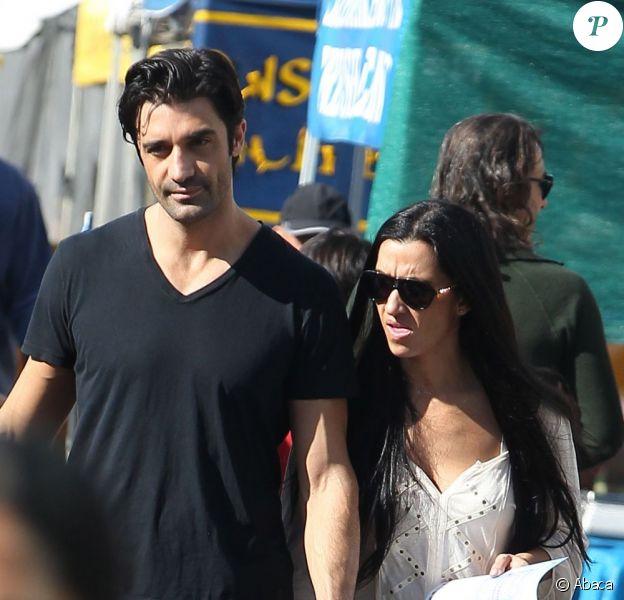 Gilles Marini et sa femme Carole étaient au marché de Studio City Farmers Market, le 18 novembre 2012.
