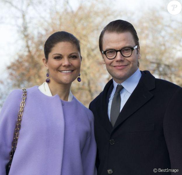 Victoria et Daniel de Suède en déplacement à Fagersta (centre de la Suède) le 21 novembre 2012.