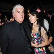 Amy Winehouse : Son père Mitch intraitable avec ceux qui touchent à sa fille