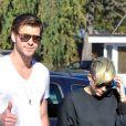 Miley Cyrus et son fiancé Liam Hemsworth à Los Angeles, le 11 novembre 2012.