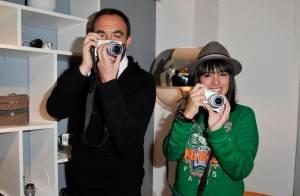 Lorie et Alizée prennent la pose pour le passionné de photo, Nikos Aliagas