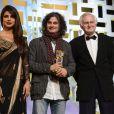 L'Etoile d'or pour le film L'Attentat de Ziad Doueiri, remise par Priyanka Chopra et John Boorman lors de la cérémonie de clôture du Festival du Film de Marrakech le 8 décembre 2012